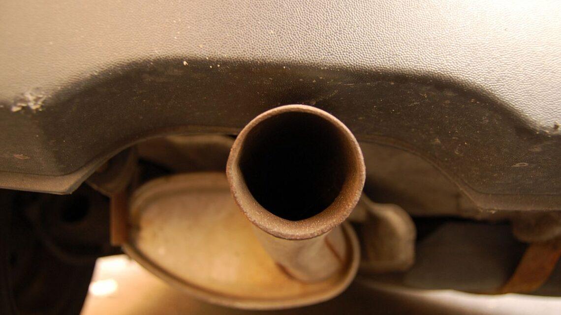 Quand changer le tuyau d'échappement de ma voiture?