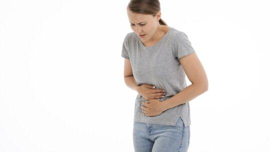 Mal de ventre : comment en venir à bout
